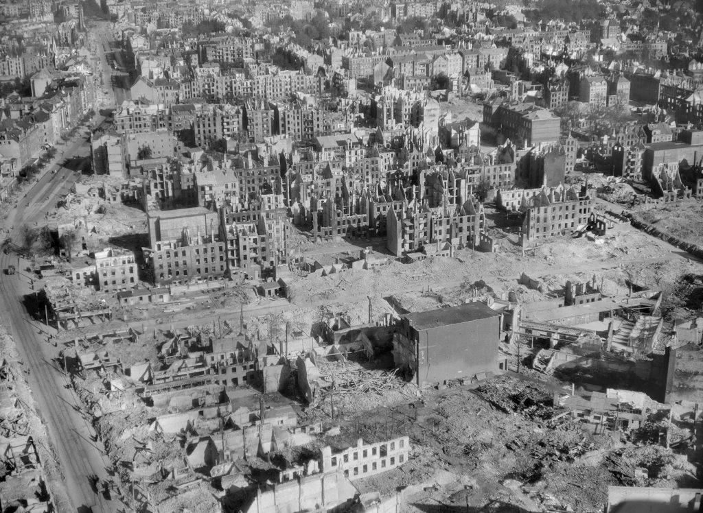 Holtenauer Straße im September 1944, Foto aus dem Stadtarchiv Kiel