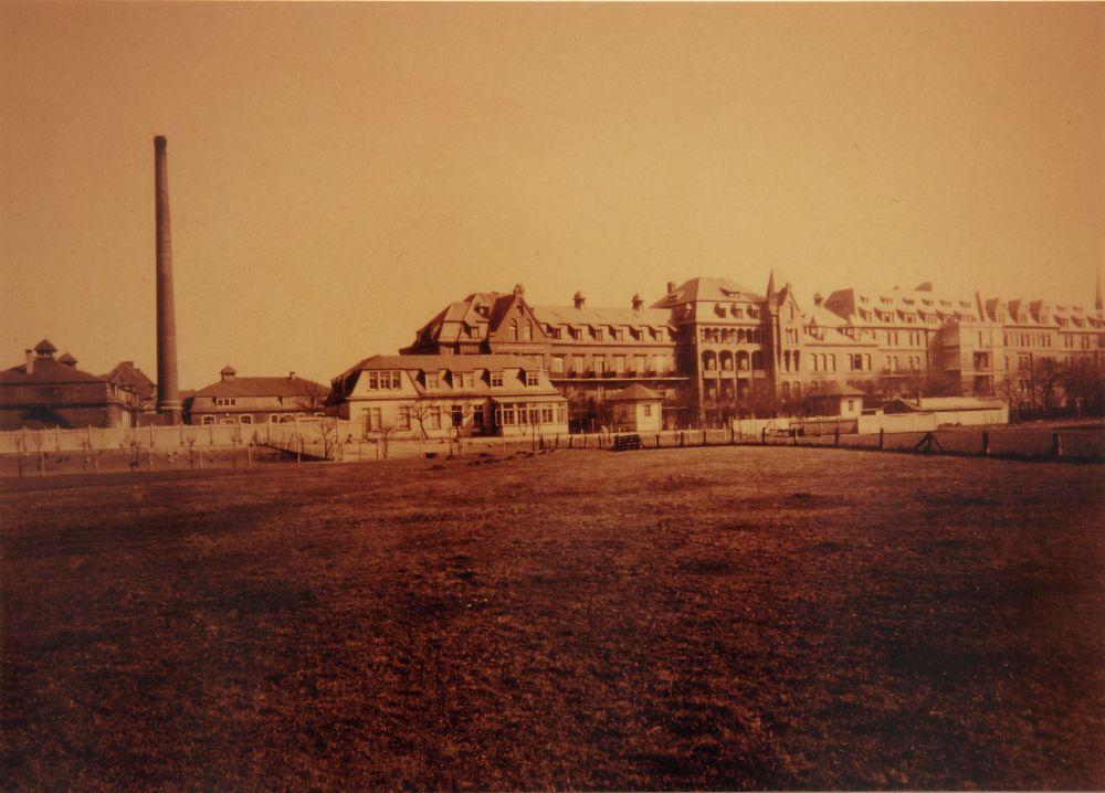 St. Joseph-Stift von der Gartenseite, späte 1920er Jahre, Foto: Krankenhaus St. Joseph-Stift