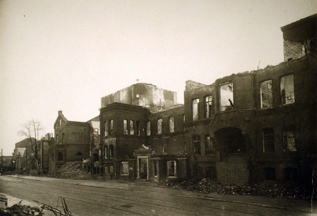 Ruine des Diakonissenhauses und Bunker / oto aus dem Kulturhaus Walle
