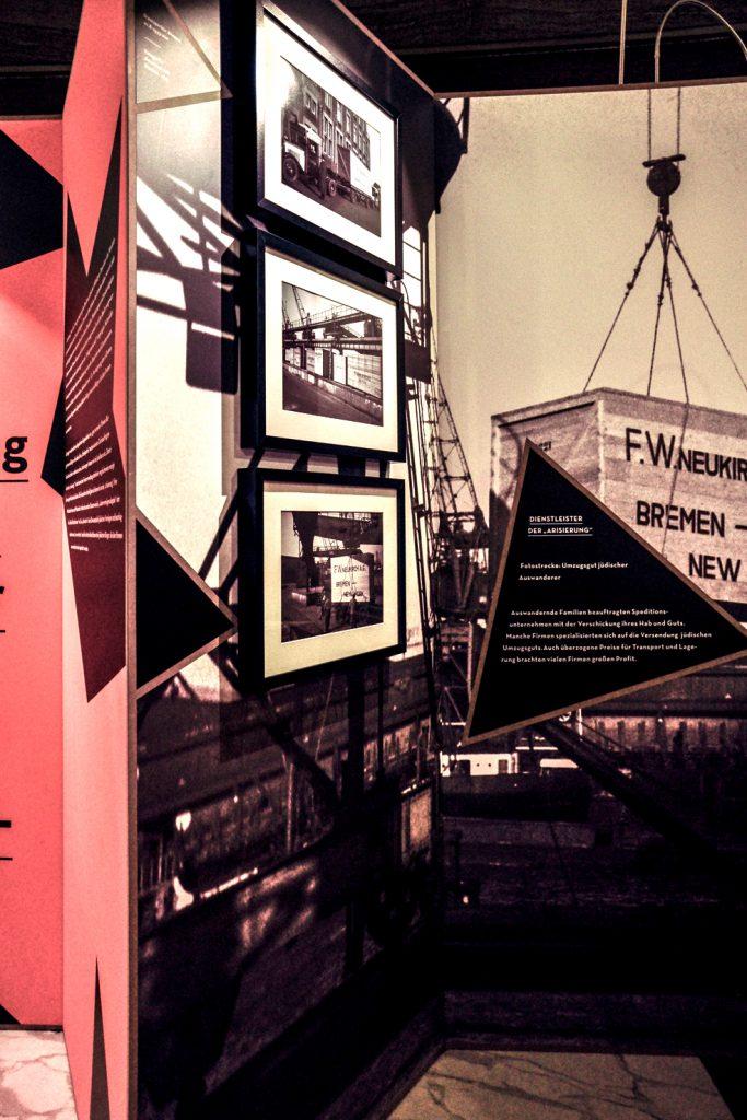 """Ausstellung """"Ausplündern und Verwalten"""" Foto 2 von ZwoAcht"""