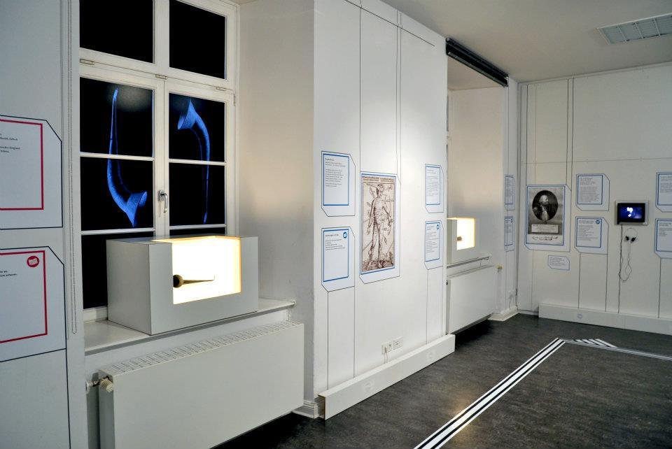 Einblick in die Ausstellung LeibEigenschaften 4, Foto von ZwoAcht